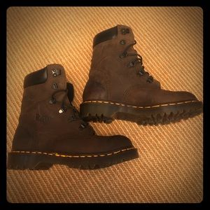 Dr. Martin Size 5 leather boots Doc England